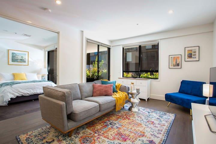 Calm 2 Bedroom Apartment Kingston Foreshore