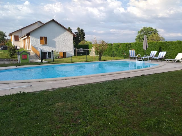 Maison au calme avec piscine
