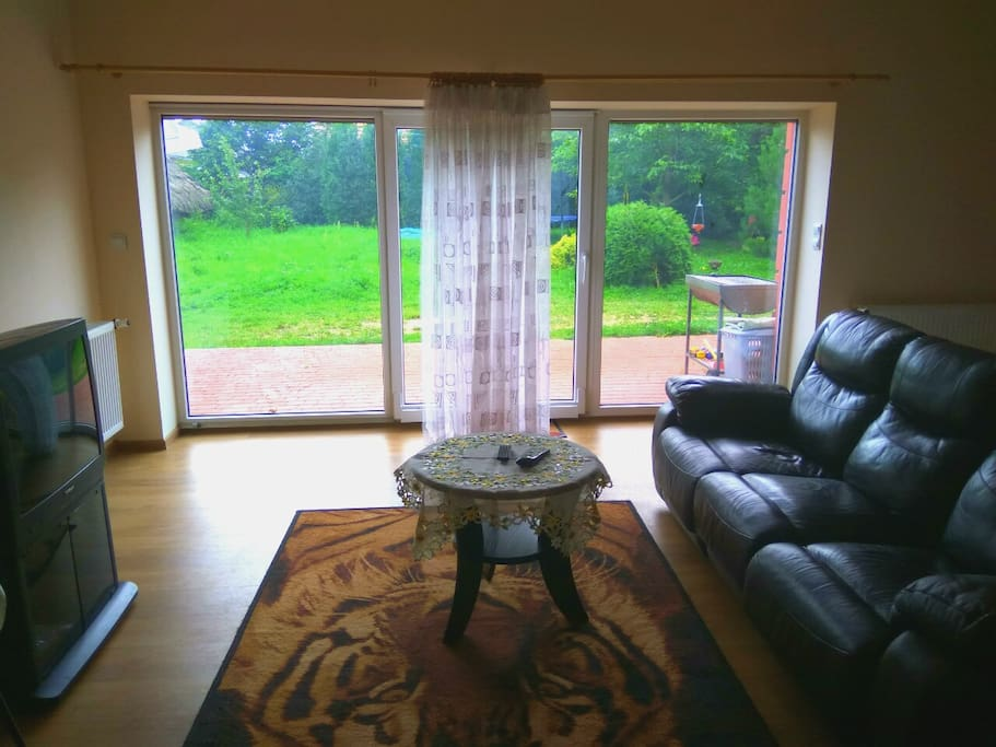 Extra large studio apartment (44m2) with garden view