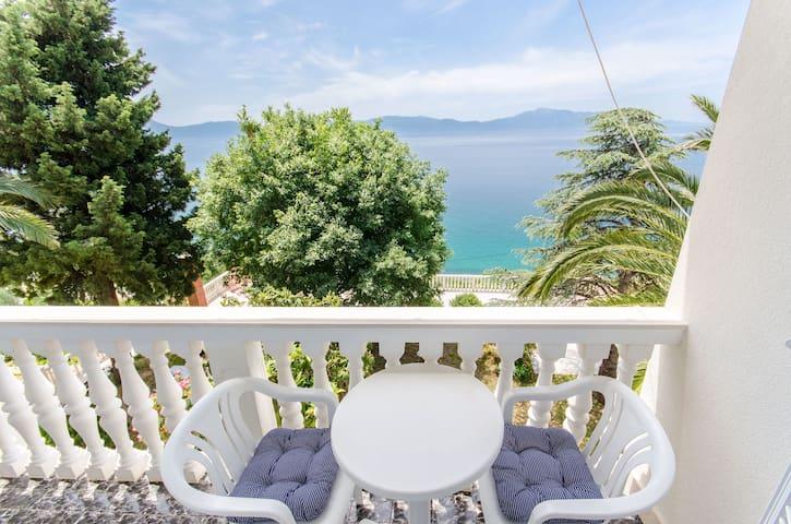 Room, beachfront in Brist, Balcony