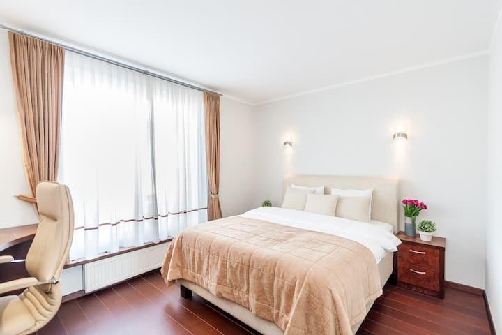 Gedimino av. apartment by URBAN RENT