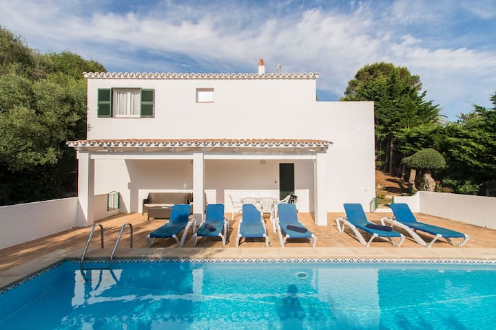 Peaceful location and with pool - Villa Mariola