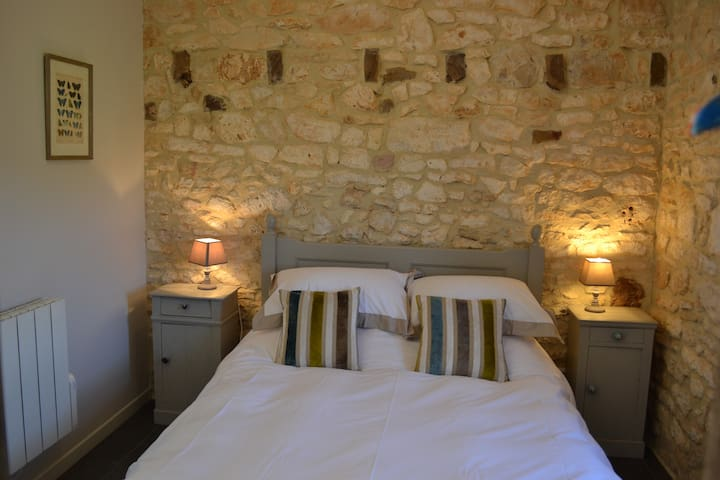 1 Bed gite, close to Sarlat, Montignac, Rocamadour
