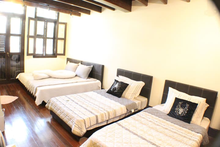 Main road orchard 2 bed rooms.