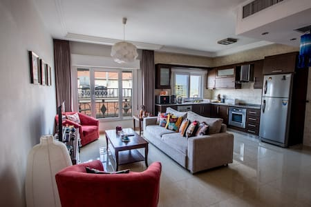 Colourful and sunny private room - Amman - Apartment