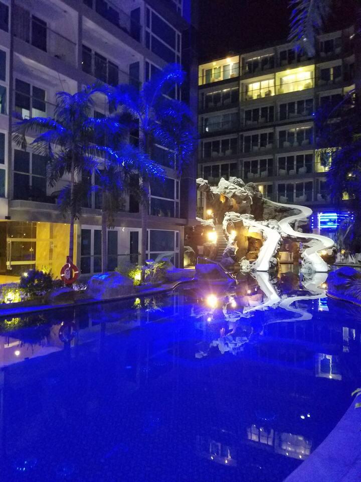 蓝色经典的度假公寓CENTARA  AZURE HOTEL and RESIDENCE