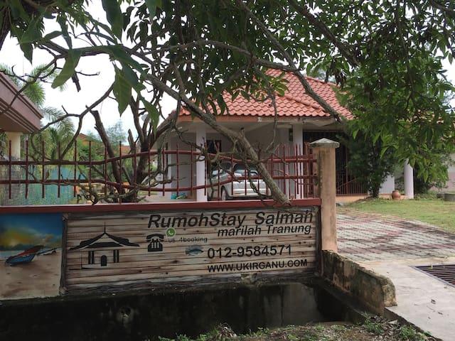 Homestay in Kuala Terengganu - RumohStay Salmah - Kuala Terengganu - Bungalow