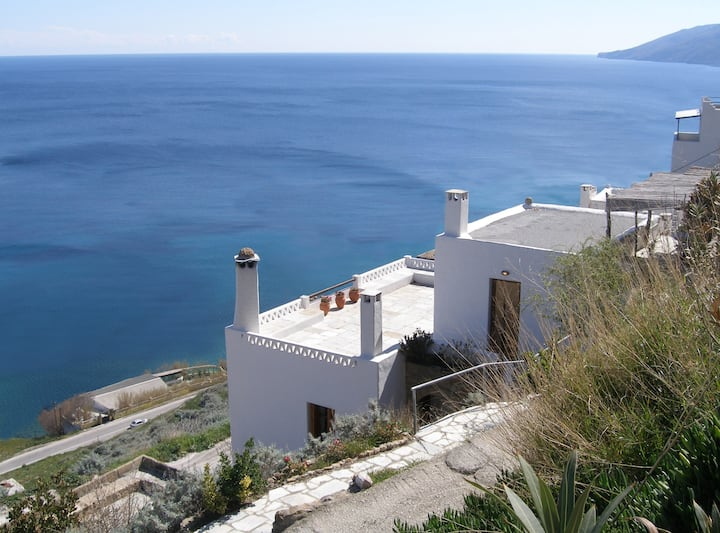 Great Eastern, wide sea view traditional studio