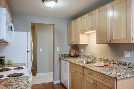 Entire APT 2bd 2ba close Microsoft-enjoy the Lake - Redmond - Apartment