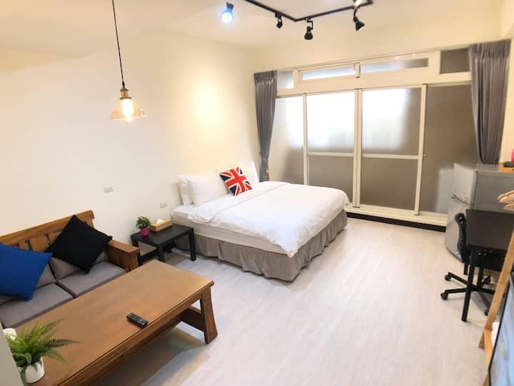 Taichung3 紫外線殺菌 獨立房間獨立空調 勤美綠園道 市民廣場 新增付費停車場 頂級乳膠床墊