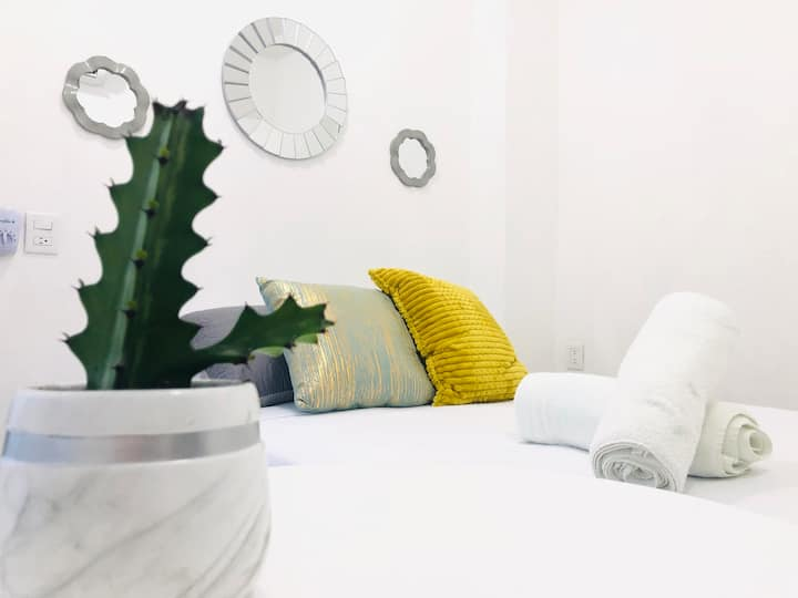 Polly's Petite White Room