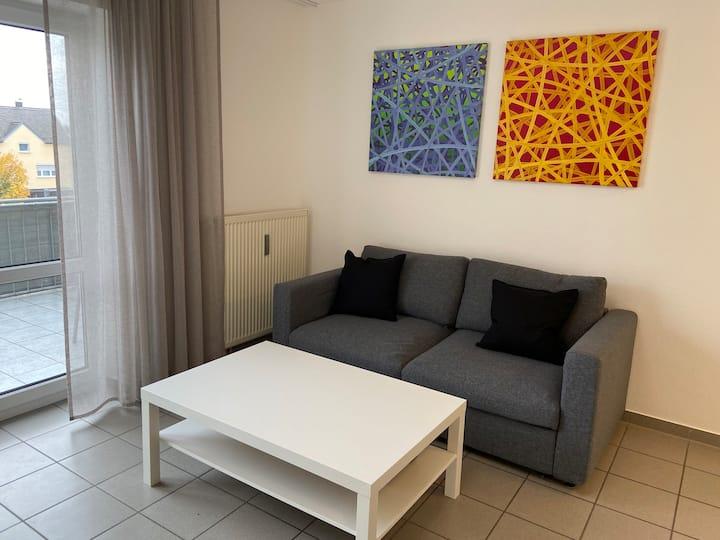 2 Zimmer Wohnung + Balkon Nähe Audi/Innenstadt W34