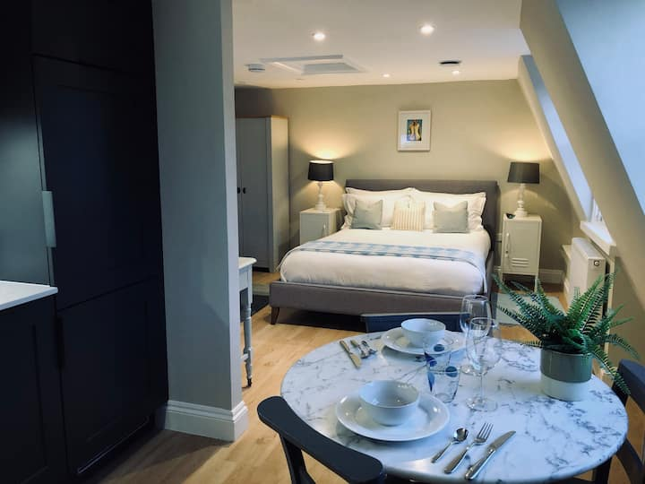 Luxury Studio Apartment In Heart of Central Bath