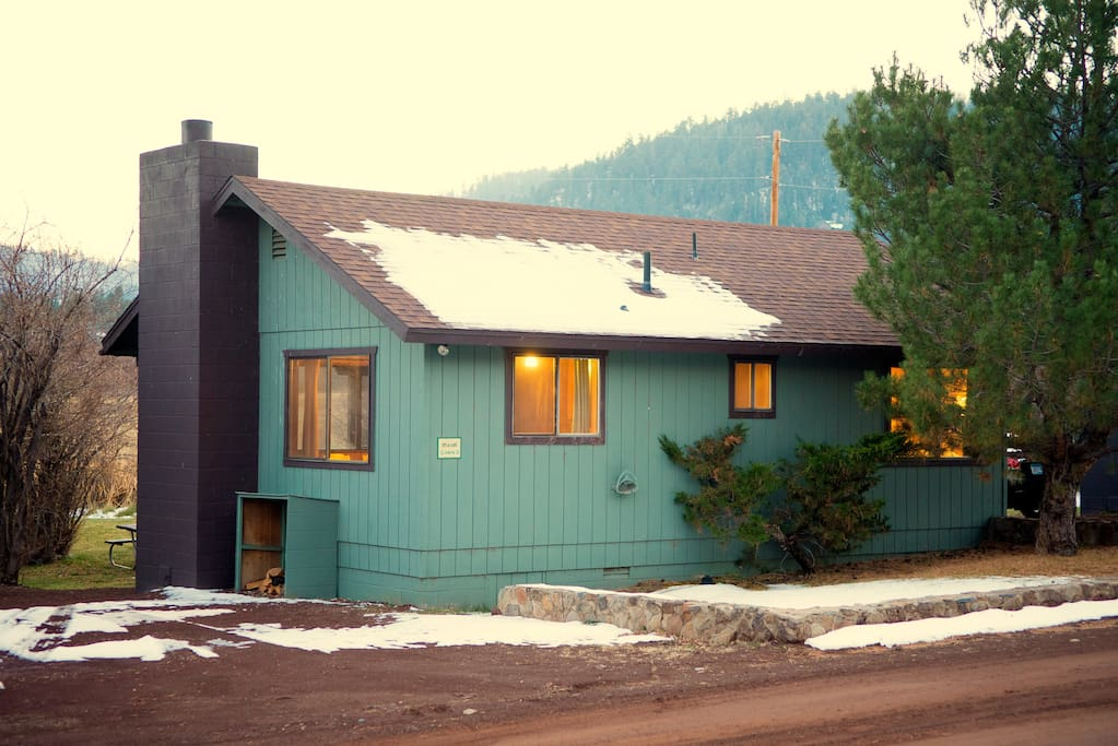 Pond 39 s edge cabin at antler ridge cottages for rent in for Cabins to rent in greer az