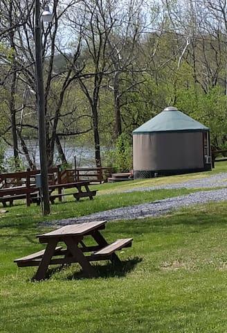 Hummingbird Yurt @ #1 Rock Tavern River Kamp