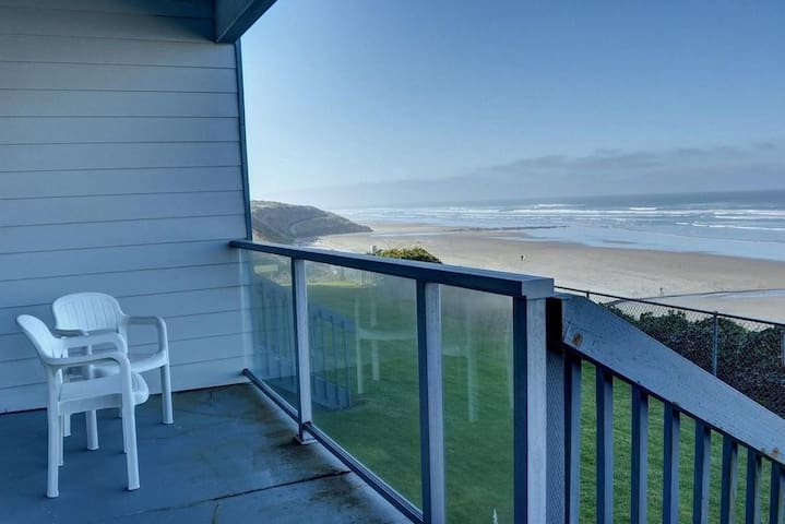 Nye Sands Condo for Two - Newport