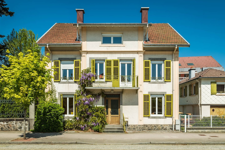 Charme d'antan et modernité exquise font de cette demeure de charme un bien d'exception à Gérardmer...