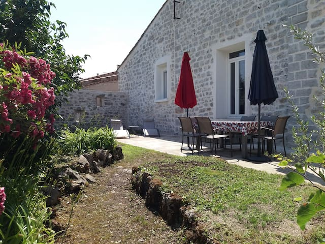 Gîte Lou Cagnard au coeur des gorges de l'Ardèche