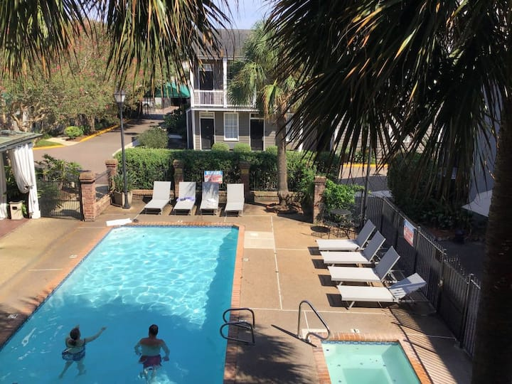 Value Deal! Two Elegant Units for 8 Guests, Pool!