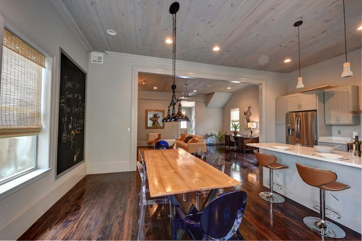 MANSION WITH POOL CLOSE 18 Min Walk FRENCH QUARTER