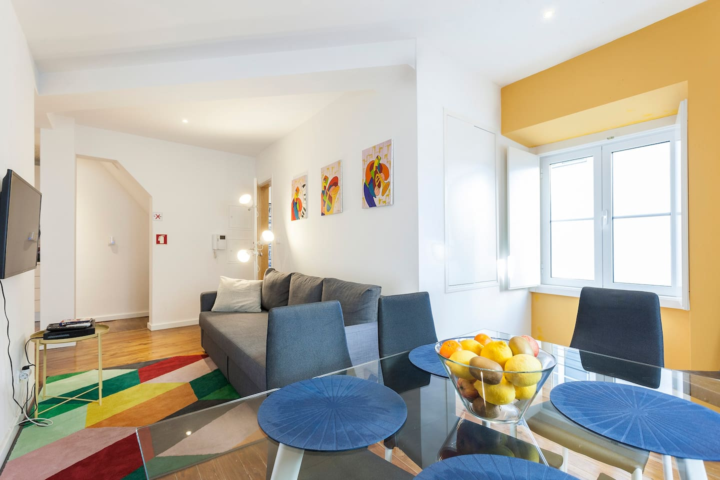 Yellow blue red apartment. - Apartments for Rent in Lisboa, Lisboa ...