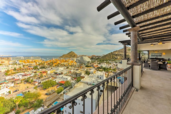 Cabo Penthouse Villa w/Dipping Pool & Jacuzzi!