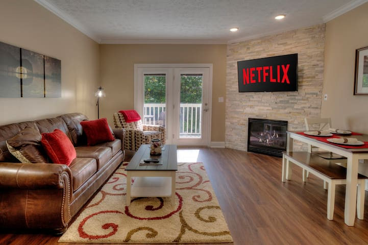NEW Remodeled Condo Amazing Location by Dollywood