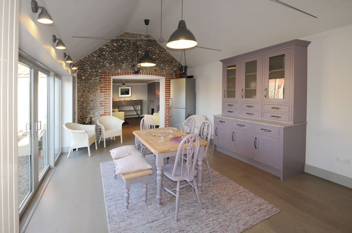 Masons Yard Holiday Cottage from 2 to 6 persons. - Cley next the Sea - Bungalou