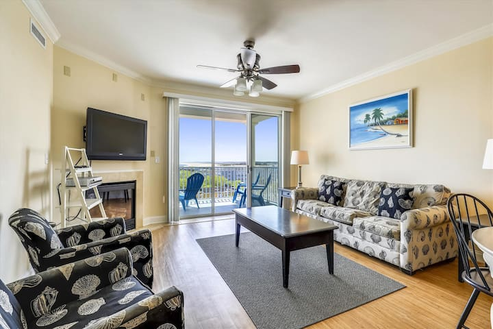 Belmont Towers 608 - Downtown OC w/ Pool, Gym, Sauna!