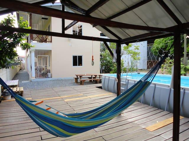 Studios met zwembad in het centrum van Paramaribo - Paramaribo - Condominium