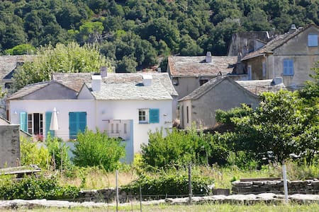 Une maison du Cap corse, entre mer et montagne - Canari