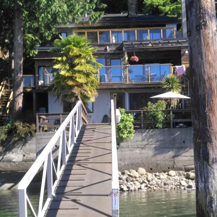 Waterfront Suite in Deep Cove with Private Deck