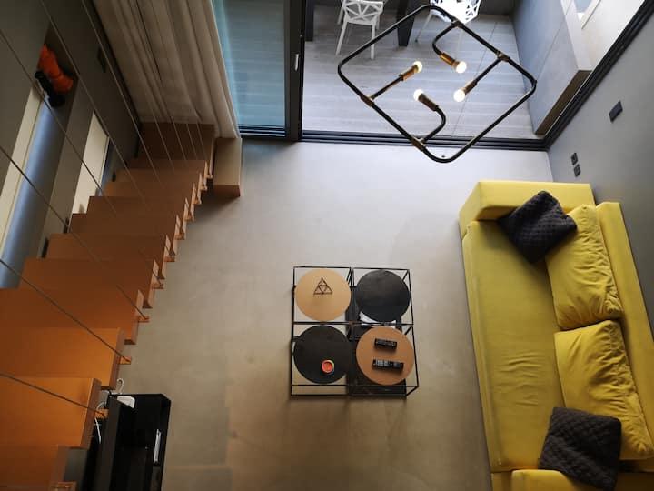 Athina ART Apartment III (Yellow)