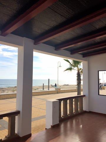 Precioso chalet en 1ª línea playa - Lepe - Haus