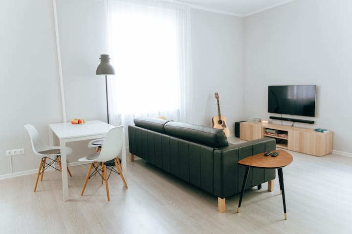 Clean&Cozy studio apartment + separate bedroom - Cazã - Apartamento