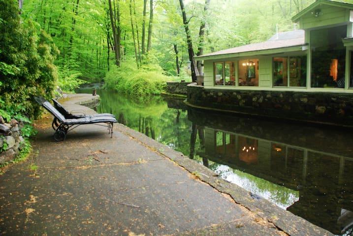 Clove Creek Cottage - Cold Spring - บ้าน