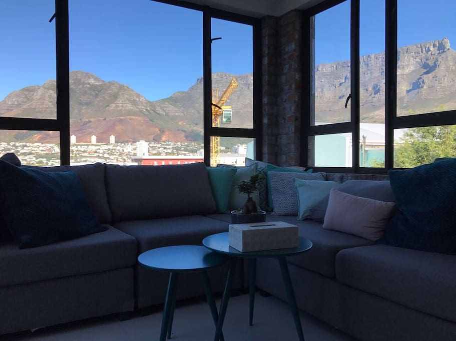 the lounge with the Table Mountain as a backdrop
