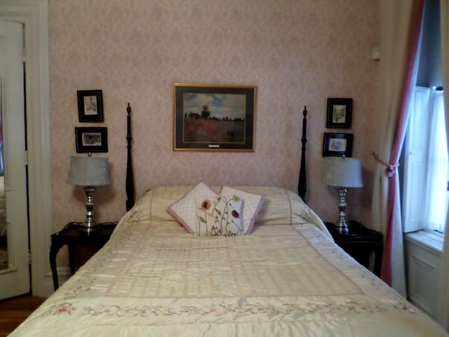 Rose Room at Hillard House Inn