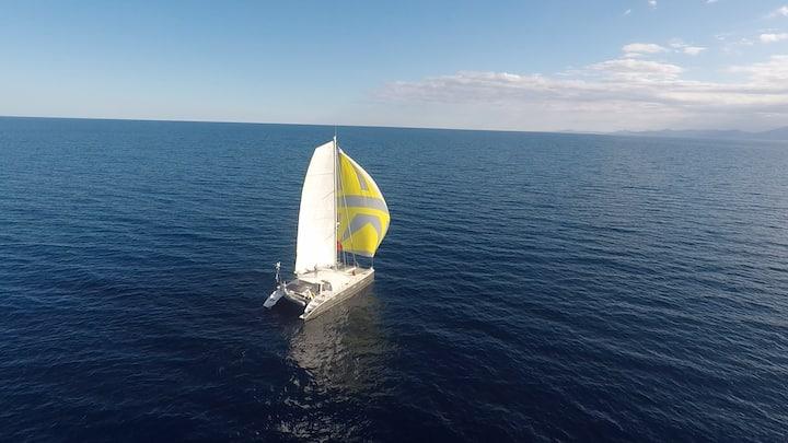 Bora Bora : voilier catamaran de 15.70m