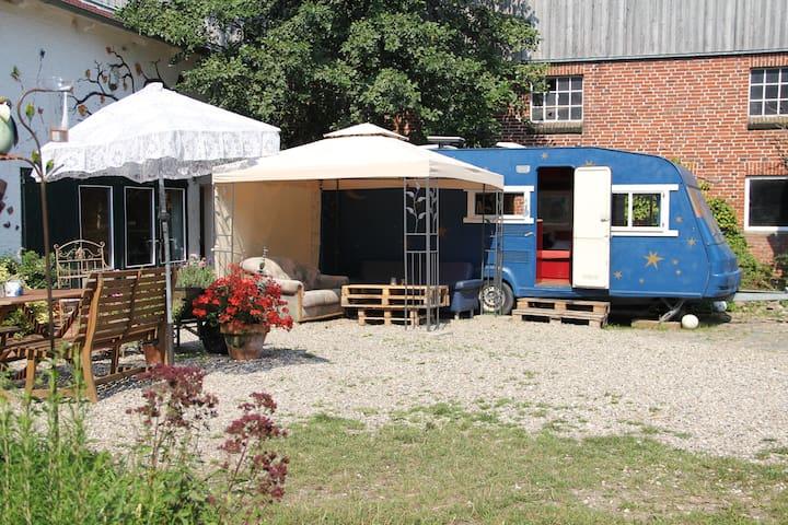 """Caravan """"das blaue Wunder"""" - Oersberg - Camper/RV"""