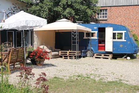 """Caravan """"das blaue Wunder"""" - Oersberg"""