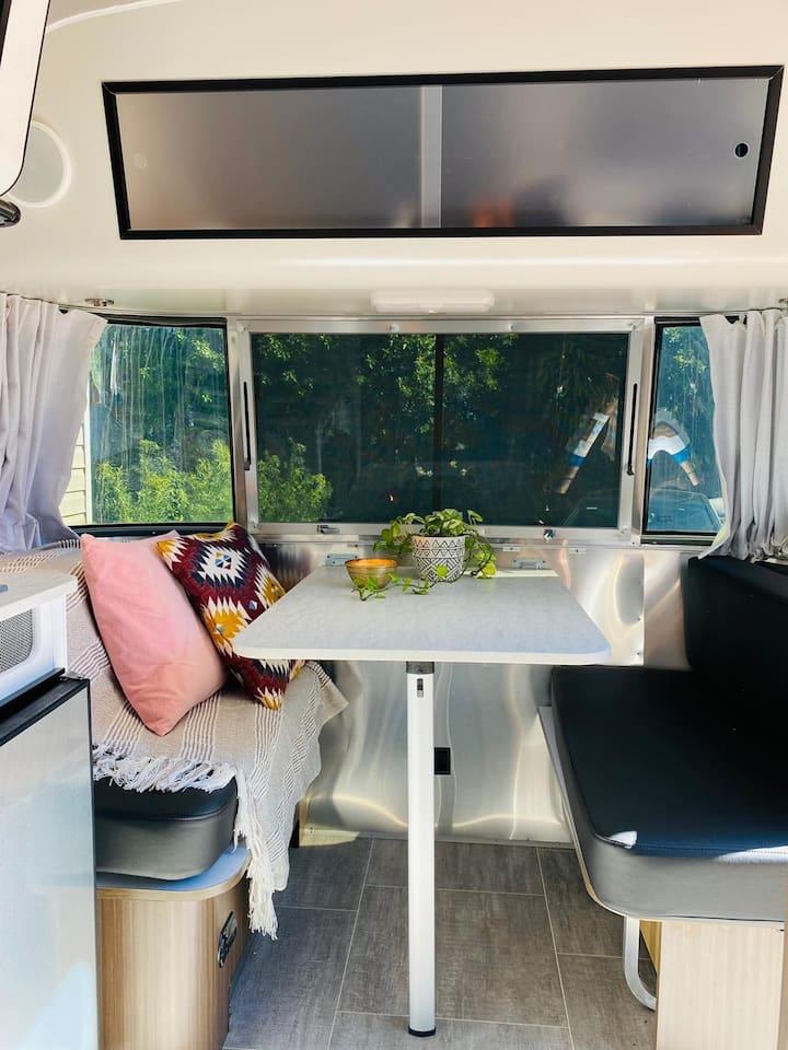 Unique Premium In-Style Airstream Home/Cozy/Clean