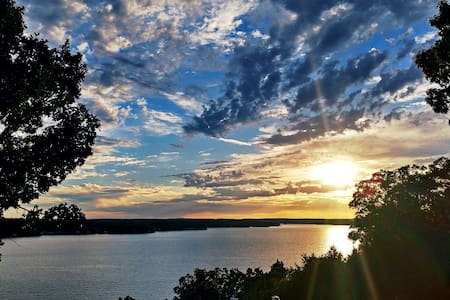Lake House with breath taking views - Rocky Mount - Maison