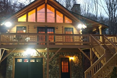 Log Cabin Retreat in the Smoky Mountains