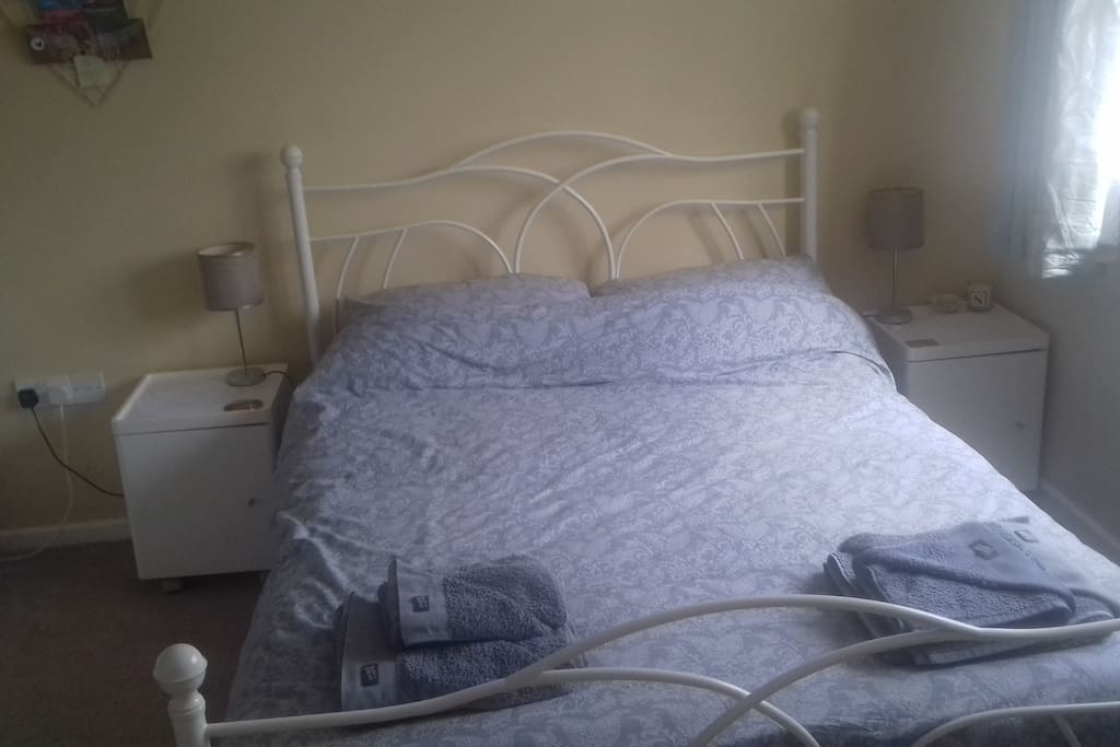 Double Bed with towels Provided