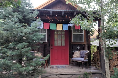 The She Shed: A small mountain town getaway