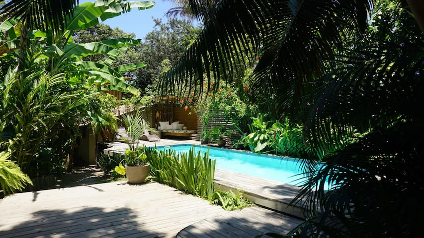 Central TRANCOSO, exotic BUNGALOW