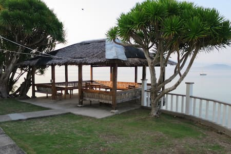Air conditioned Wooden Chalet close to Beach - Moalboal - Alpehytte