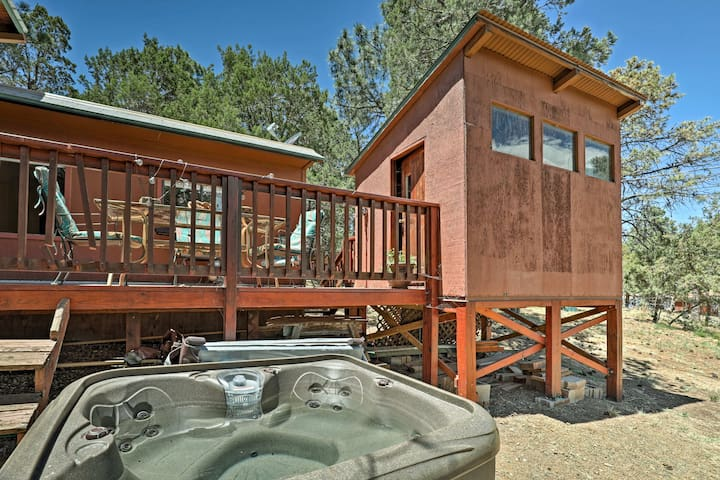 Soak in the hot tub or barbecue in the fresh air!