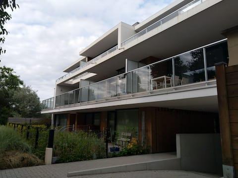 Très  bel appartement  contemporain  à 200m de la plage